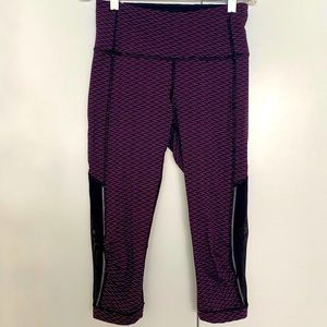 LULULEMON Athletica Capris Pants Purple Leggings Black Mesh Bottom Woman Size 4